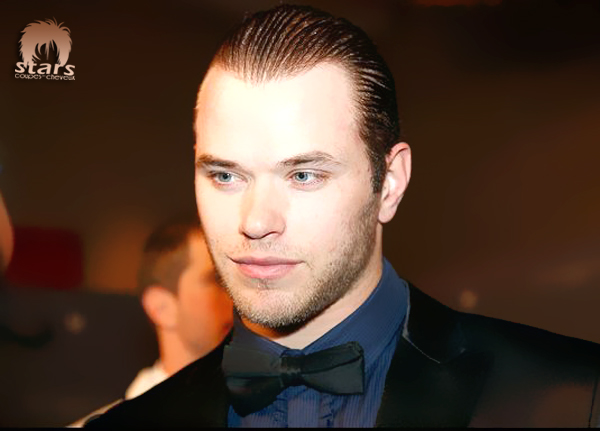 stars coupes des cheveux kellan lutz coiffure cheveux liss s en arri re. Black Bedroom Furniture Sets. Home Design Ideas