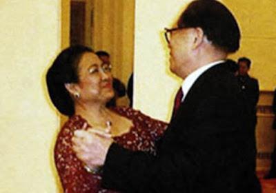 "Sri Bintang: ""Dendam Mega Dibawa Sampai ke China"""
