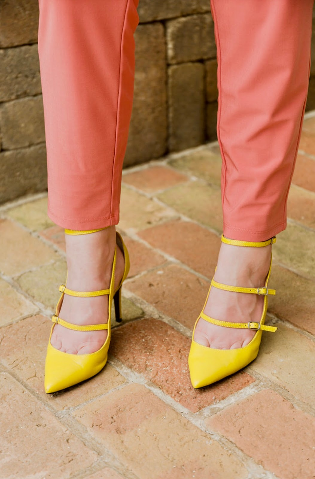 6af145b31067 These colors are so fresh for summer and ads some personality and chic style  to a more conservative look!
