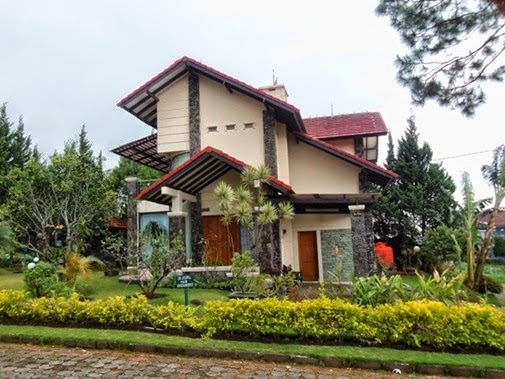 Villa  Trisulo istana bunga Lembang