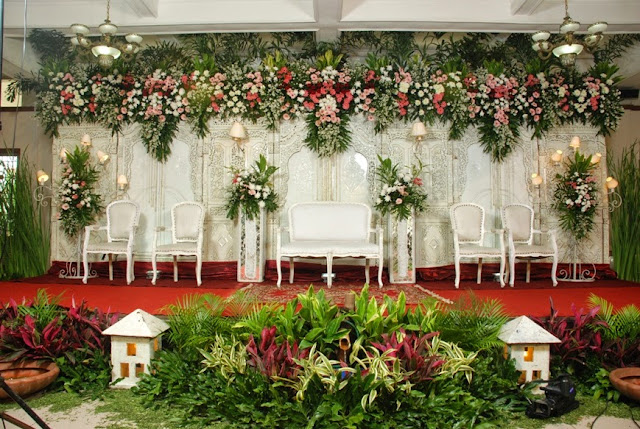 Wedding decoration semarang gallery wedding dress decoration and wedding decoration jogja image collections wedding dress wedding decoration semarang images wedding dress decoration and wedding junglespirit Choice Image