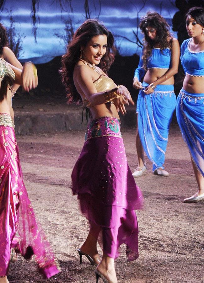 Actress Priyan Anand hot