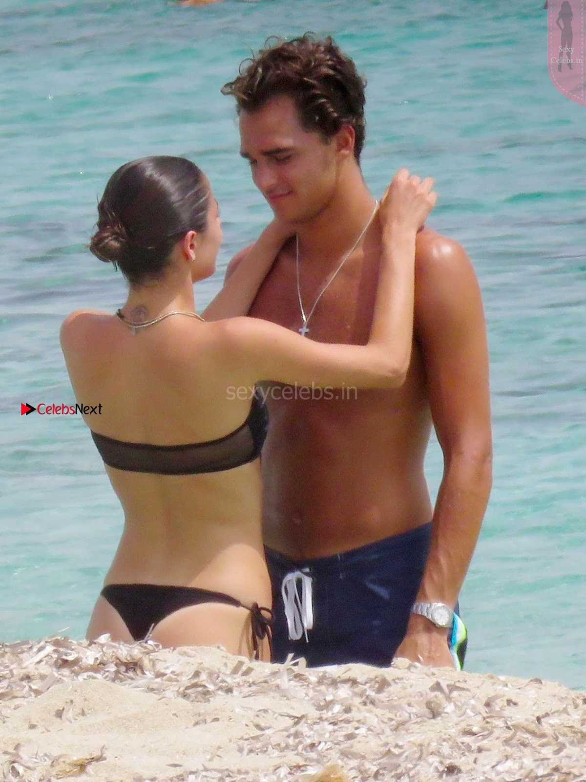Martina Stoessel ins exy wet black tiny bikini boobs ass exposed with BF WOW Must see Beauty 03.08.3017