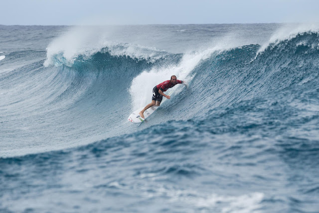 10 Owen Wright Billabong Pro Tahiti 2015 Foto Stephen Robertson
