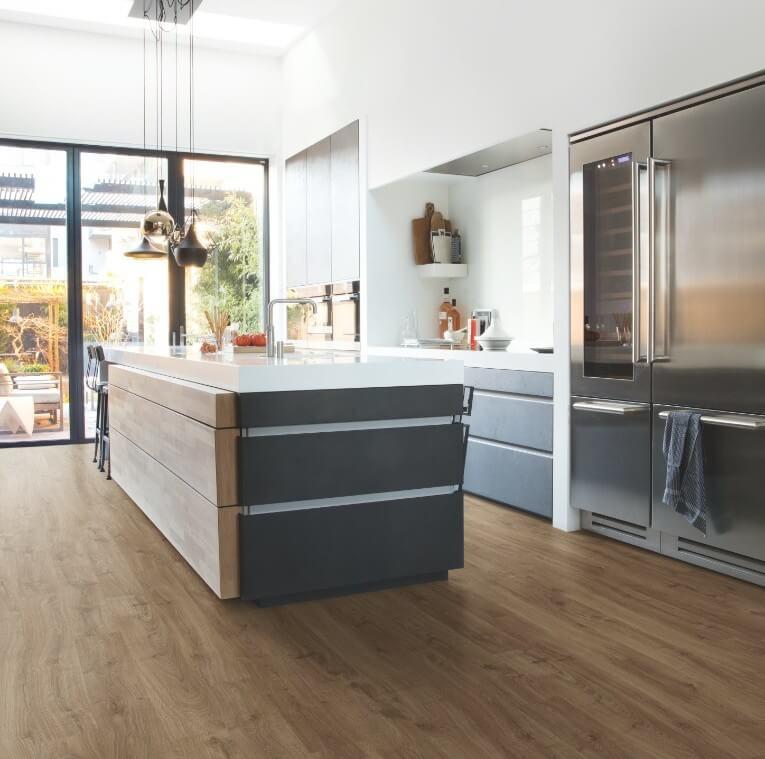 cocina-con-suelo-vinilo-quick step-6