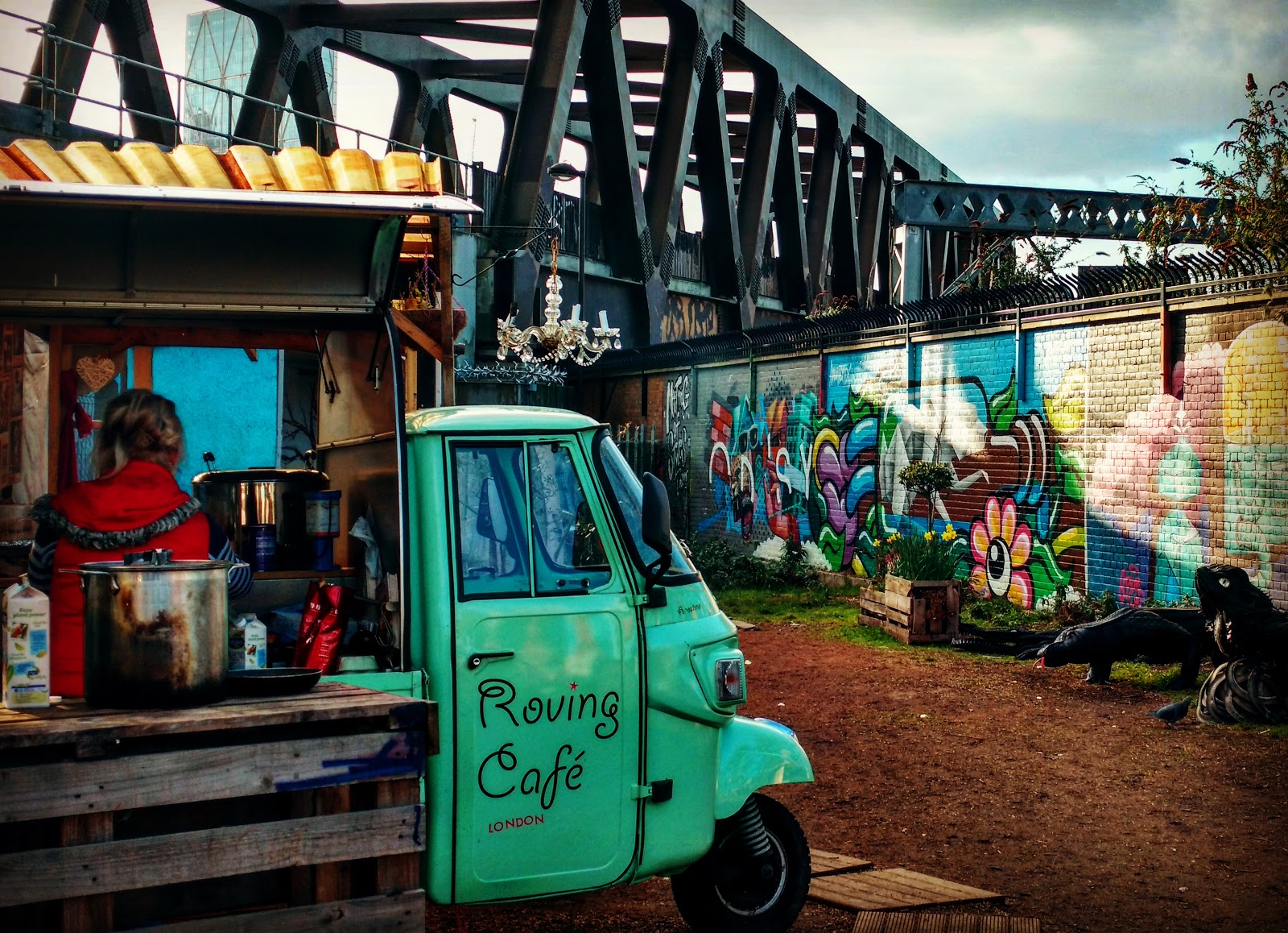 Roving Cafe, where community gardens in London remind me of my travelling days.