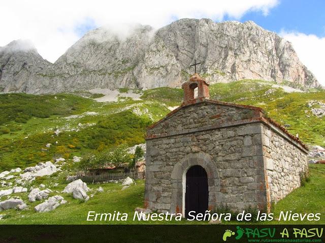 Ruta al Pico Torres y Valverde: Ermita de Nuestra Señora de las Nieves en Braña Torres