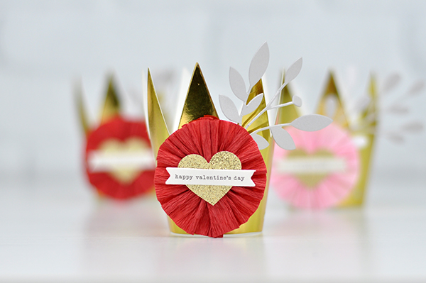 Queen of Hearts Valentine's Day Crowns by Jen Gallacher. #valentinesday #valentinecraft #partyhat #jengallacher