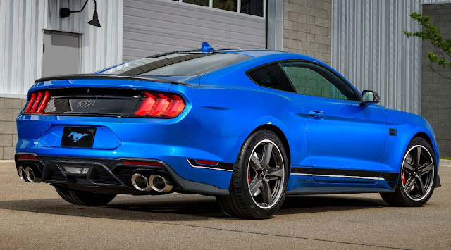ford-mustang-2021-mach-1-exhaust-tailights-rear-spoiler