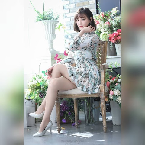 A compilation of Asian girls wearing dress showing off their sexy legs [20pics]