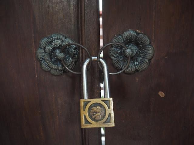 ubud village resort lock