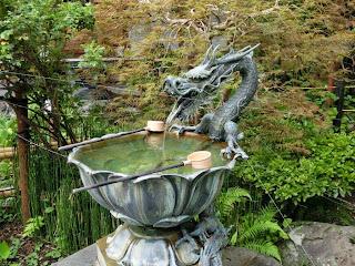 鎌倉成就院:龍の手水