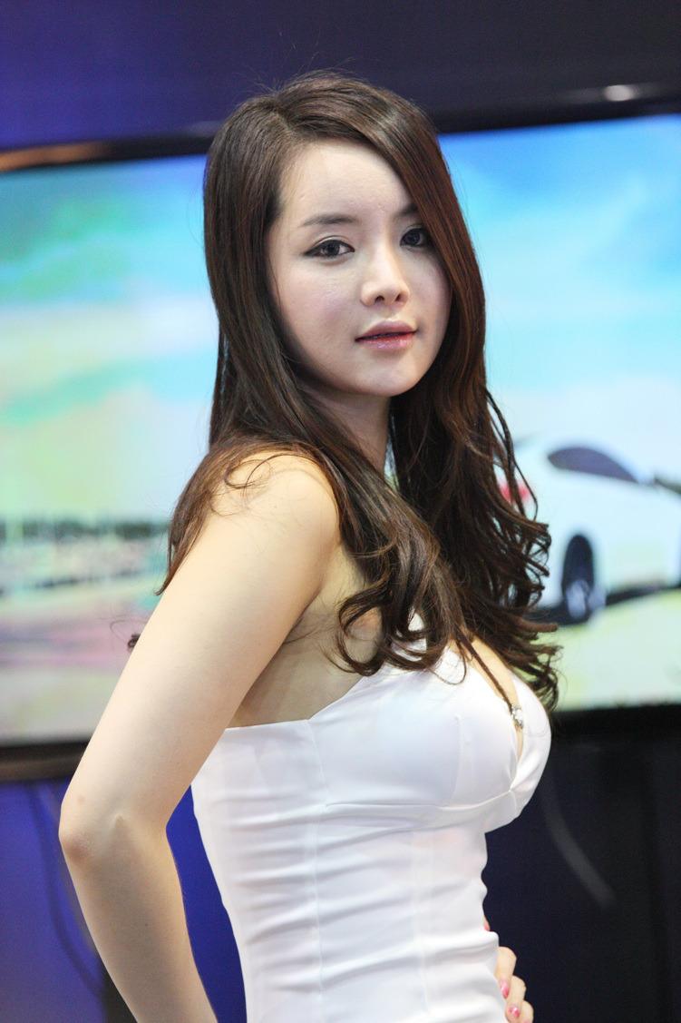 HOT SEXY PICTURES: Im Ji Hye Korean Sexy Girl At Seoul Auto Salon 2012 Part 2 Photo