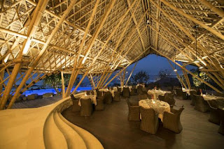 Suarga Padang Padang Luxury Resort is looking for F&B Waiters/Waitresses/Bartenders