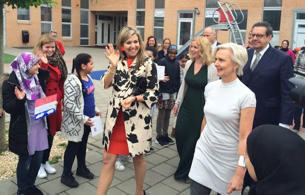 "Queen Maxima of The Netherlands launched the project of ""Classic Shows"" the NPO Radio. Queen Maxima Natan Dress, LK Bennett Shoes"