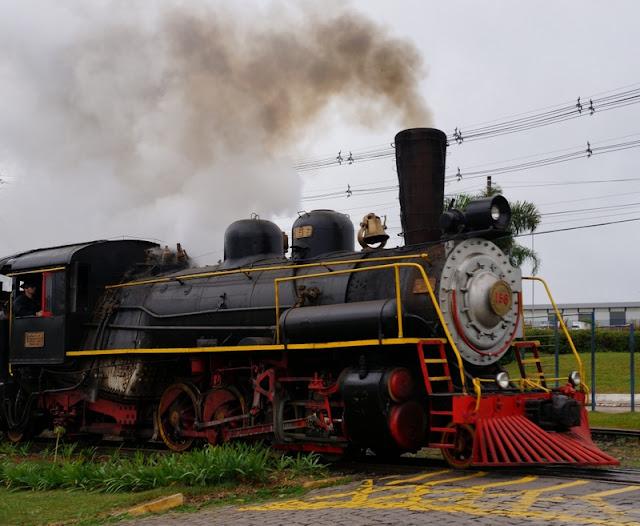 passeio com o trem Maria Fumaça na Serra Gaúcha