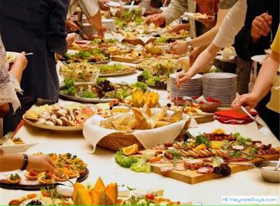 ziyafet-görmek-vermek-ne-demek-davet-edilmek-hazırlığı-sofrası-yemek-ziyafette-olduğunu-ruyada-gormek-nedir-ne-anlama-gelir-dini-ruya-tabiri-tabirleri-islami-kitabi-yorumu