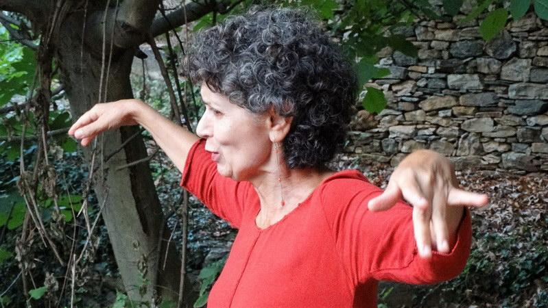 Αλεξανδρούπολη: Παραμύθια με την Αγνή Στρουμπούλη στην αυλή του Καφεβιβλιοπωλείου Κάφκα