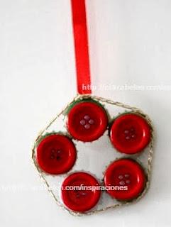 http://clarabelen.com/inspiraciones/3234/manuliadades-de-navidad-y-reciclaje-corona-o-portavelas-navidena-economica/