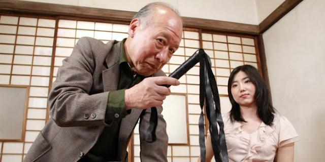 Kakek Tua Ini Merupakan Aktor Bokep Jepang Yang Terkenal