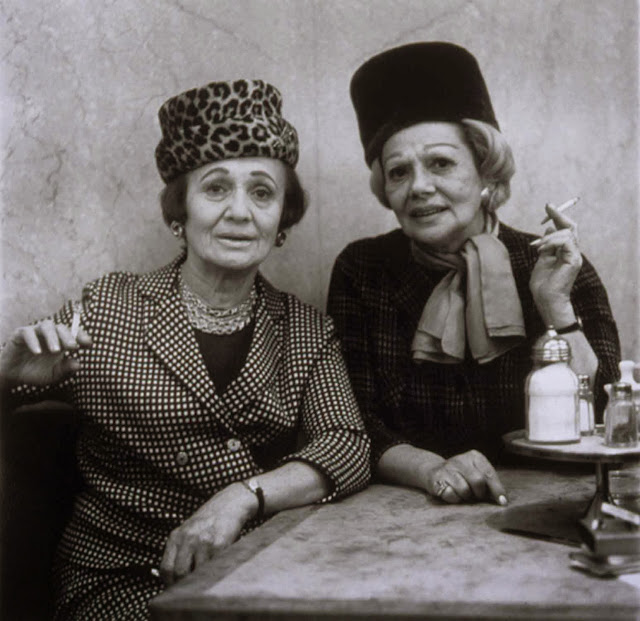 Diane Arbus, Two Ladies at the Automat, New York City, 1966