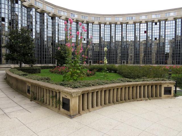 Les Colonnes, Les Échelles du Baroque, place de Séoul, Paris