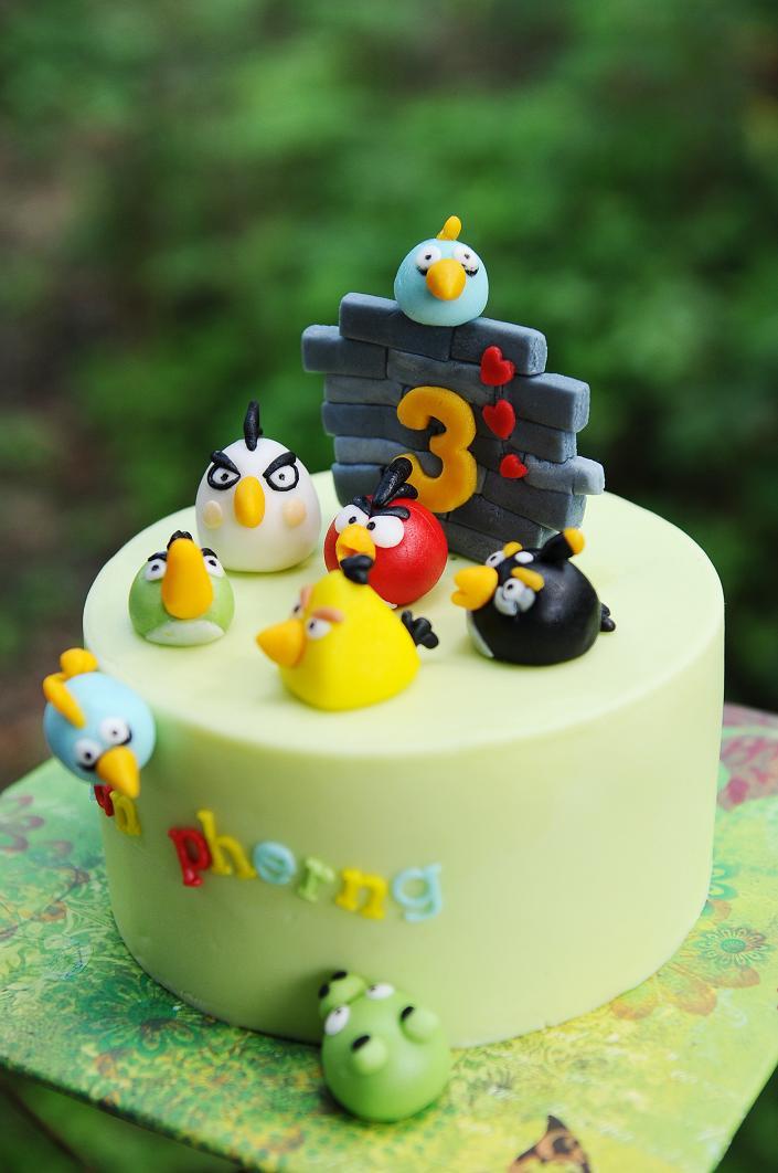 Egg Birds Birthday Cake