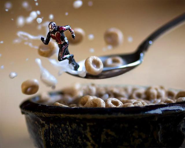Побег супермена из тарелки с завтраком