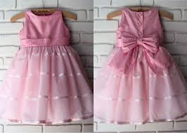 vestido rosa com laço