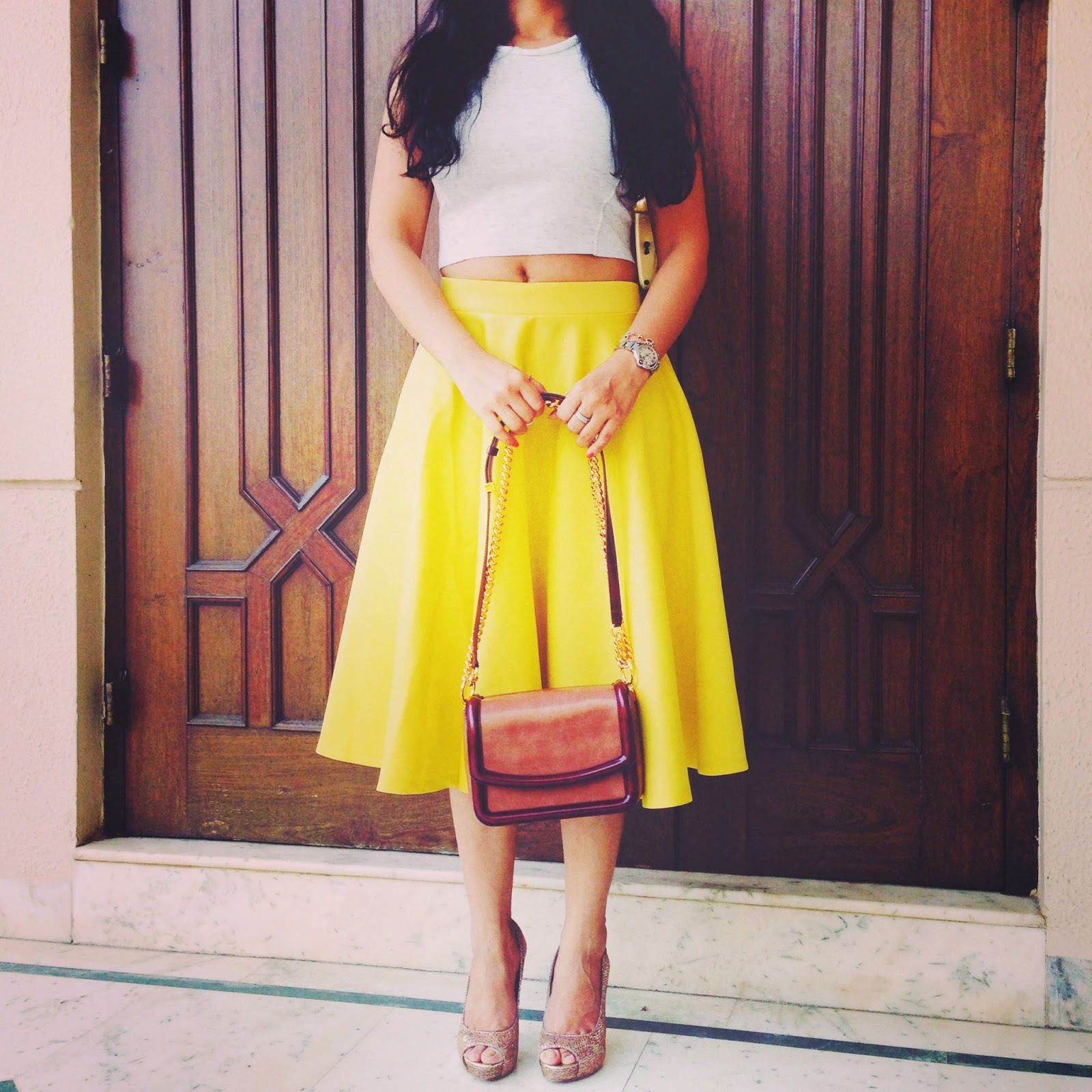 Spring Look Yellow Midi Skirt Style Destino