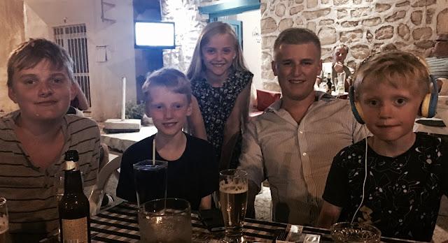 madmumof7 children in Cyprus