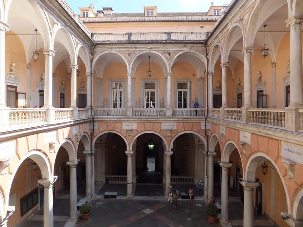 gênes genova via garibaldi strada nuove palazzi dei rolli palazzo tursi cour