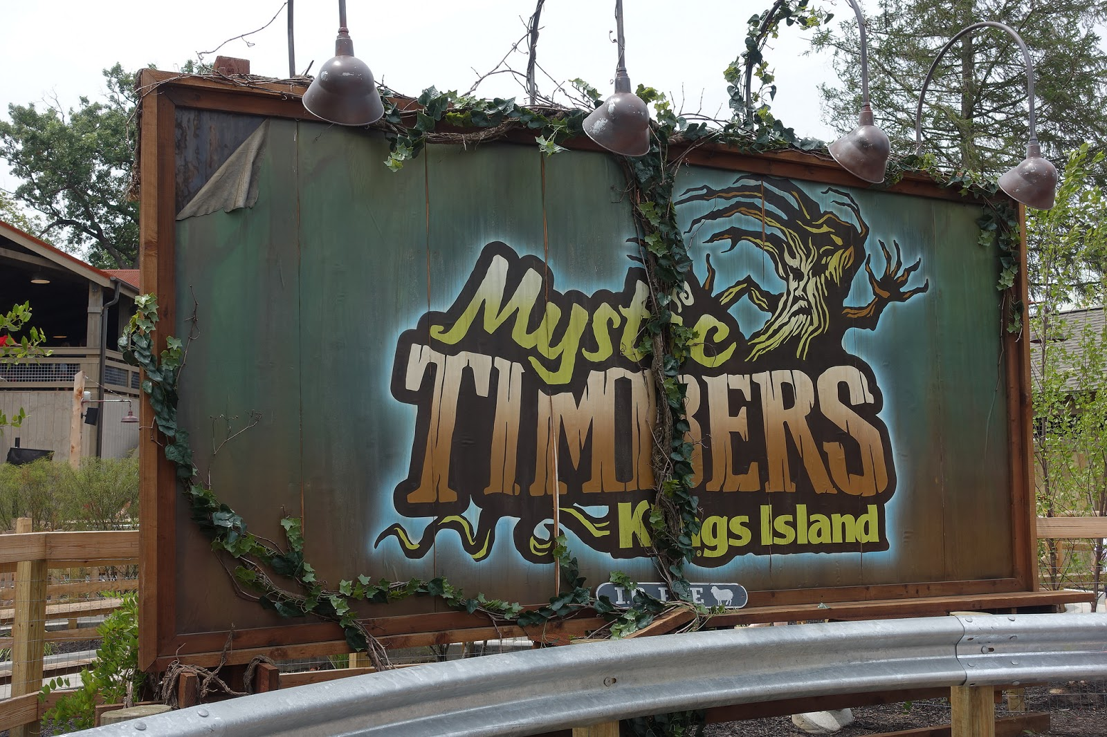 Mystic Timbers Review Kings Island Amusementinsider The Front Page Of Theme Parks