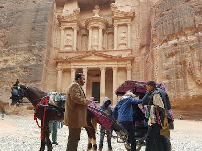 Caballos y carruajes en Petra