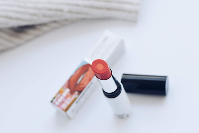 Amway ARTISTRY STUDIO NYC kollektsioon toonitud huulepalsam huulepulk
