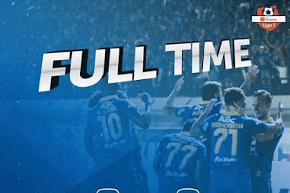 Tangan Dingin Rene Albert Bertuah, Persib Bandung Sukses Tekuk Persipura 3 - 0