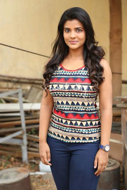 Aiswaraya Santhosh hot images