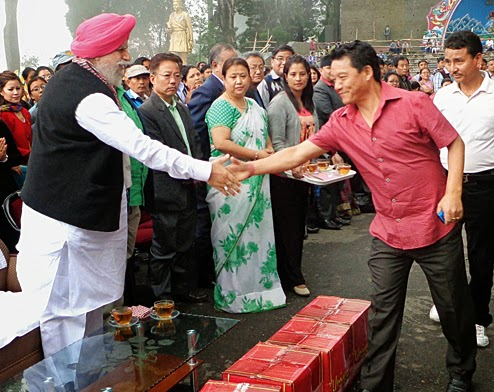 GJMM Bimal Gurung celebrates LS victory at Chowrasta, SS Ahluwalia gets hero's welcome in Darjeeling
