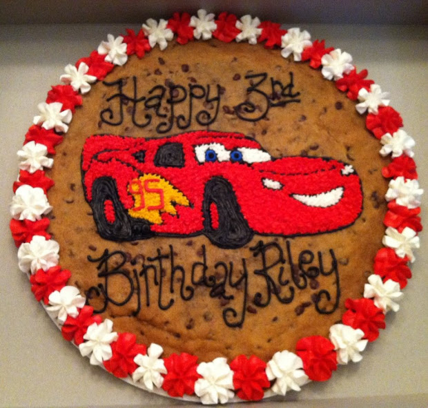 Lightning McQueen Cookie Cake