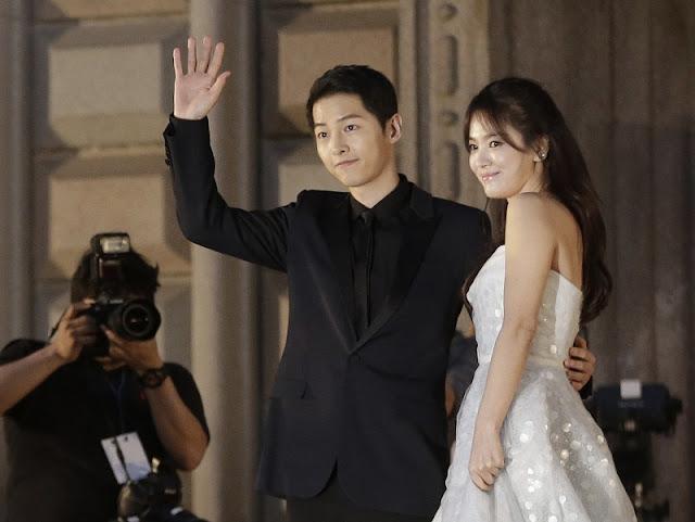這次是真的了!《太陽的後裔》宋仲基、宋慧喬即將在10月底完婚