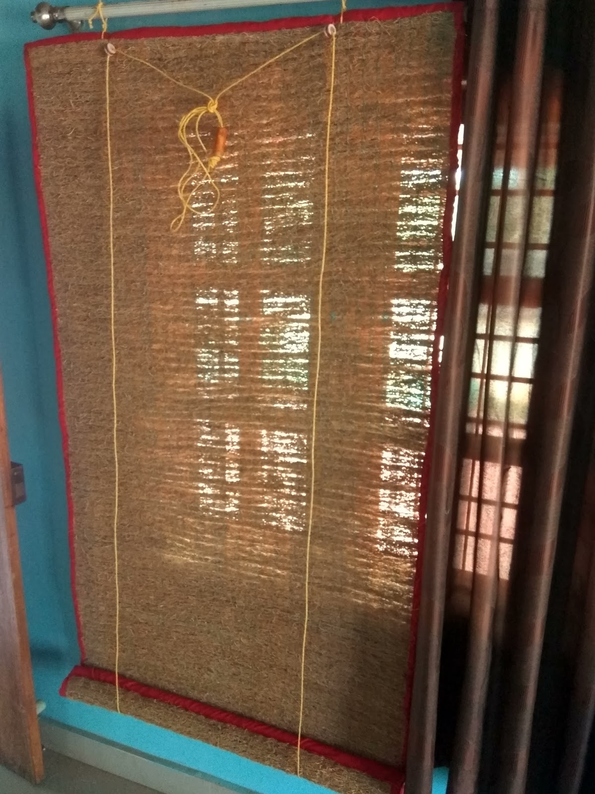 Aroma Pen: VETIVER WINDOW CURTAINS