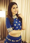 Rashi khanna new dazzling photos-thumbnail-6
