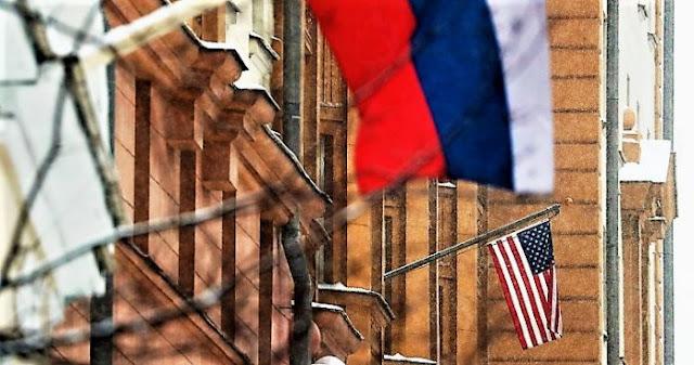 Στις συμπληγάδες ΗΠΑ - Ρωσίας η ελληνική διπλωματία