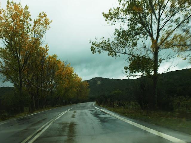 δρόμος-και-βροχή