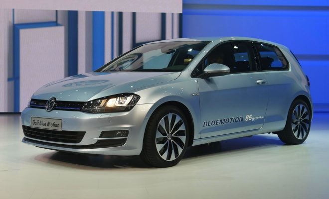 Volkswagen Golf VII BlueMotion - front view