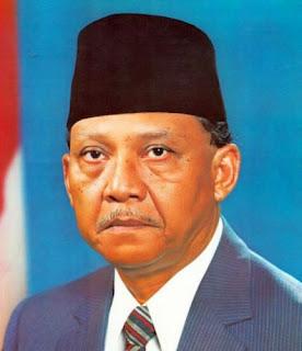 Foto Umar Wirahadi Kusumah