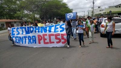 Resultado de imagem para Estudantes protestam contra a PEC 55