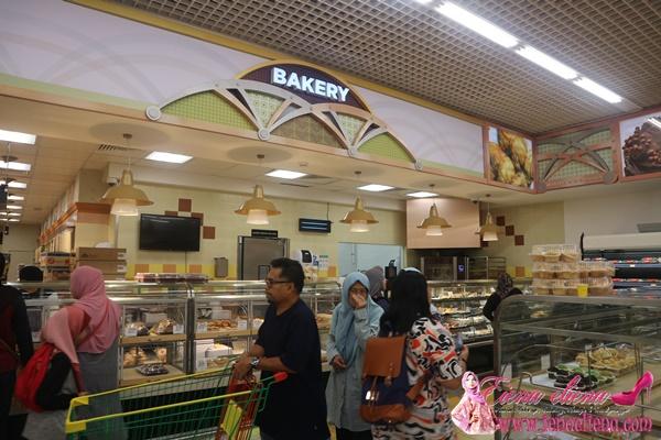 ruangan LuLu Bakery di Lulu Hypermarket
