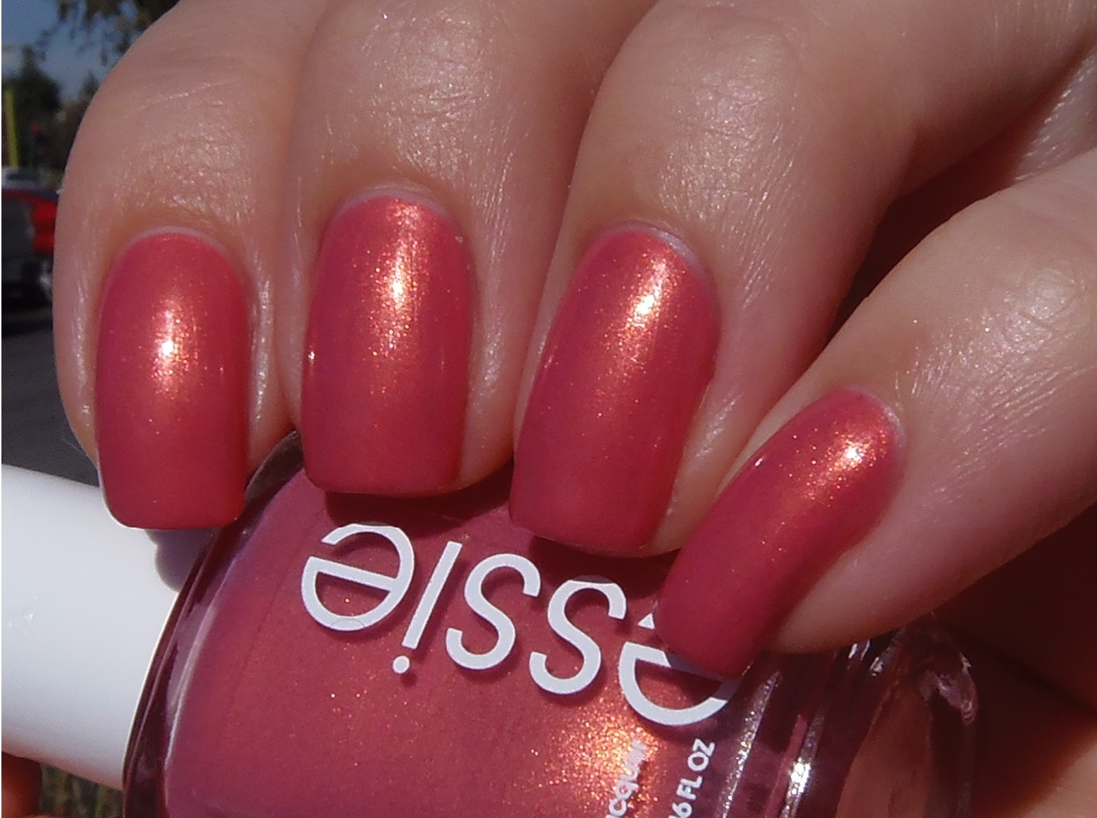 Sparkly Vernis: Essie Let It Glow and Tonic Peacock Parade