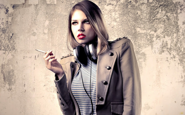 smoking-girl-hd-wallpaper
